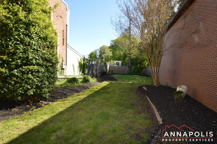 1201-west-street-b-id1094-back-yard-a