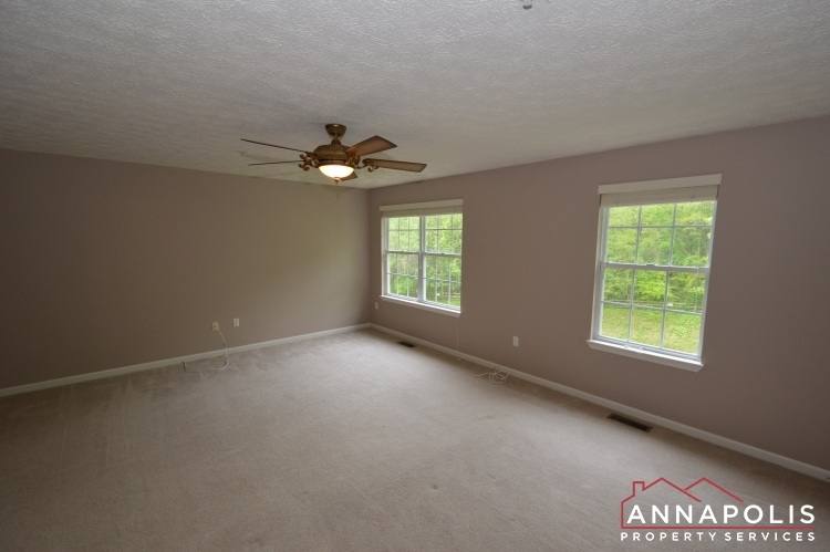 30j-ironstone-court-id1096-master-bedroom-a