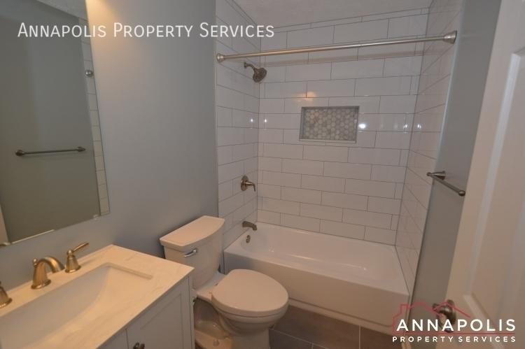 30j ironstone court id1096 main bathroom