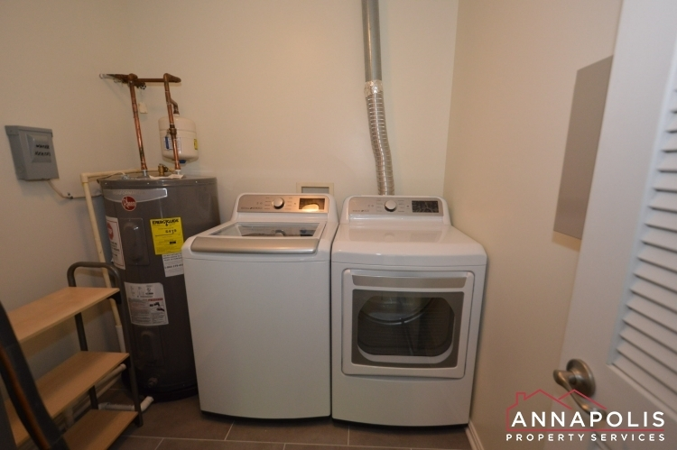 30j-ironstone-court-id1096-washer-and-dryer-(1)