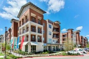 Sur512_amenities_exteriors-1-large.3033f6ca-b008-46b5-a698-b6e0014c70da