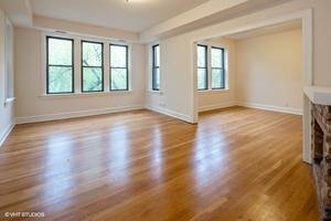 1_3507nracine_unit35133w_1_livingroom_lowres
