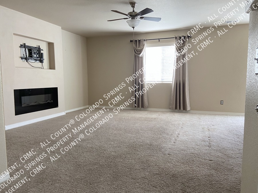 3-bedroom_home_for_rent_in_security-widefield_near_ft._carson_army_base_and_big_johnson_reservoir-4
