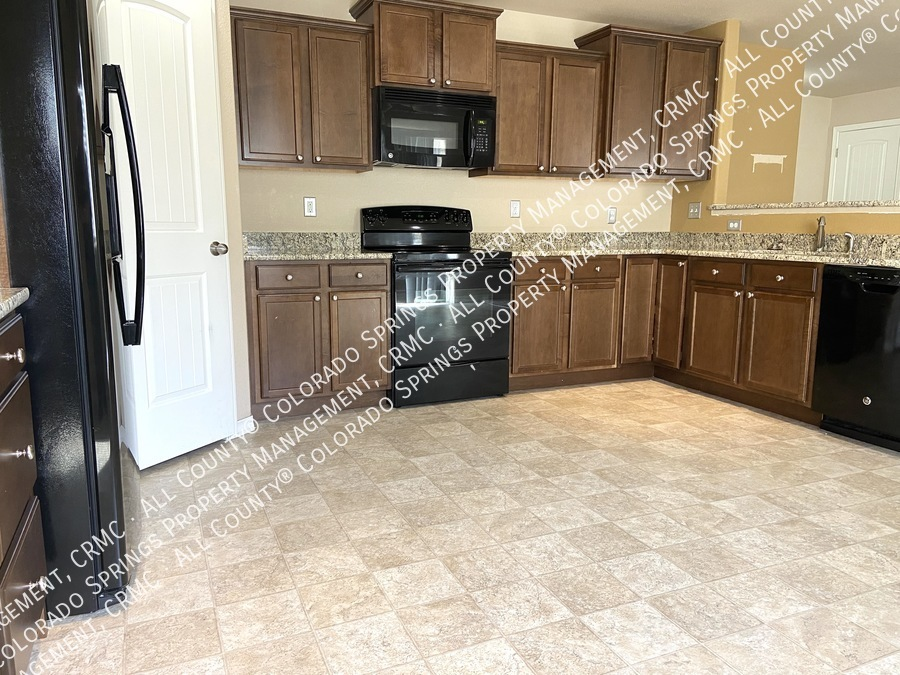 3-bedroom_home_for_rent_in_security-widefield_near_ft._carson_army_base_and_big_johnson_reservoir-8