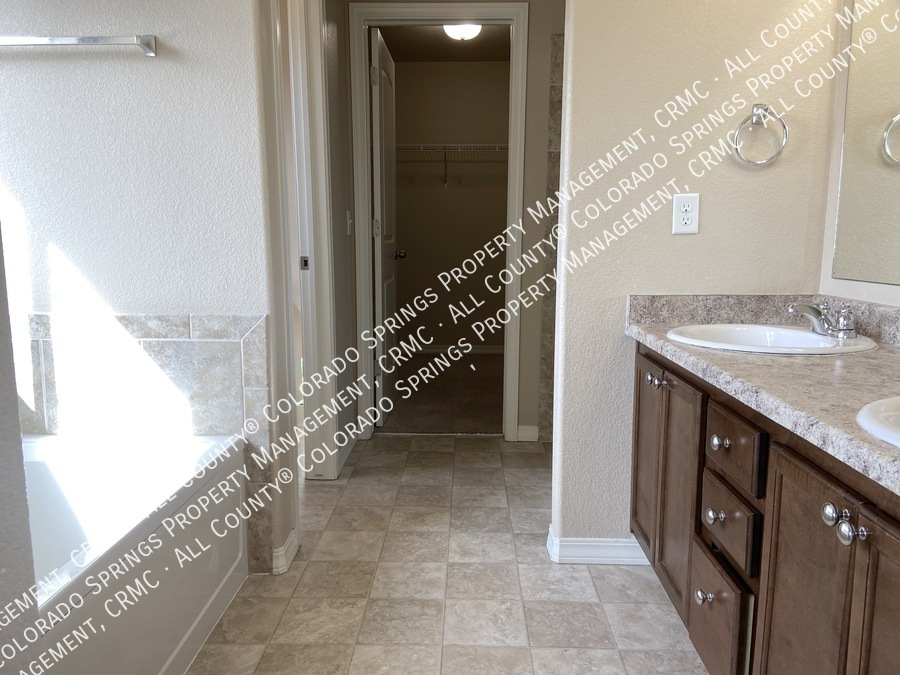3-bedroom_home_for_rent_in_security-widefield_near_ft._carson_army_base_and_big_johnson_reservoir-e