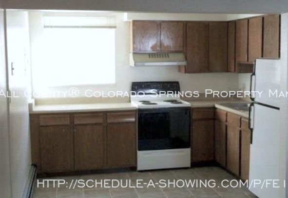 Well_maintained_2-bedroom_apartment_for_rent_on_colorado_springs_west_side_near_old_colorado_city_and_garden_of_the_gods-5