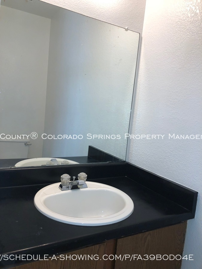 2-bedroom_fountain_apartment_for_rent_near_fort_carson_military_base_and_fountain_valley_park-bathroom