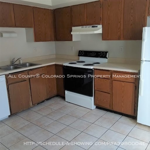 2-bedroom_fountain_apartment_for_rent_near_fort_carson_military_base_and_fountain_valley_park-kitchen