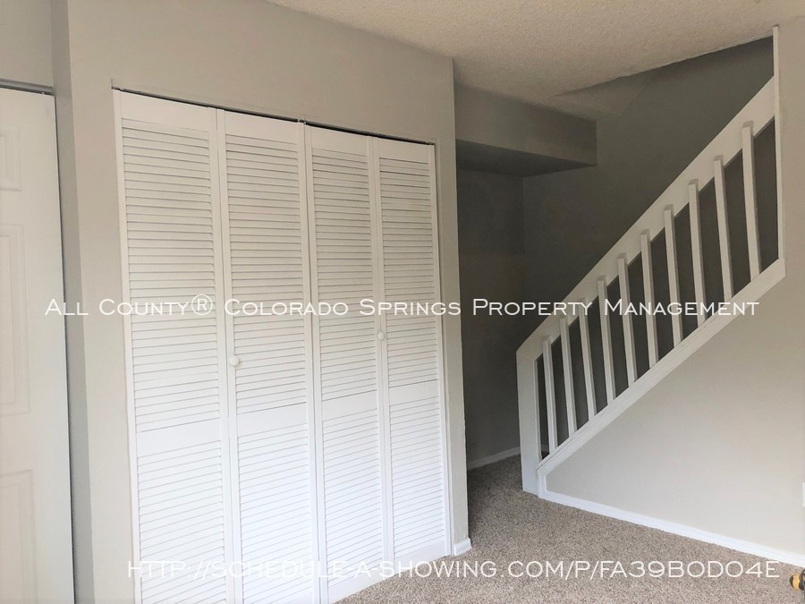 2-bedroom_fountain_apartment_for_rent_near_fort_carson_military_base_and_fountain_valley_park-stairs