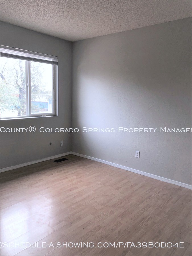 2-bedroom_fountain_apartment_for_rent_near_fort_carson_military_base_and_fountain_valley_park-bedroom