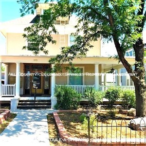 Room_for_rent_downtown_in_quaint_old_house_near_colorado_college_cc-front