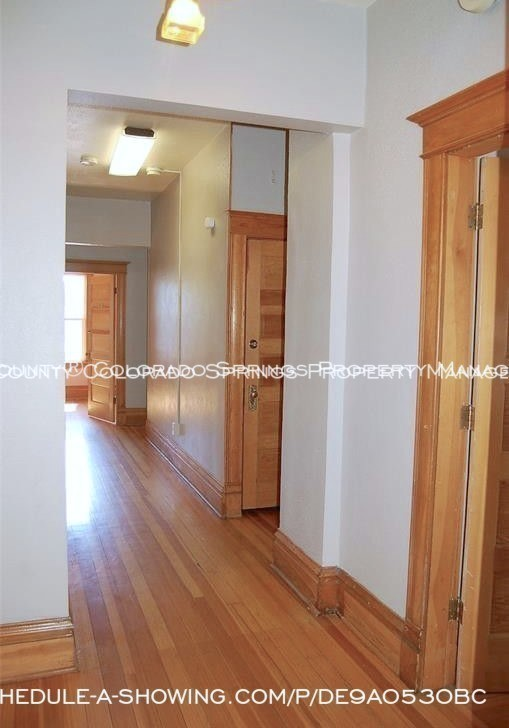 Room for rent downtown in quaint old house near colorado college cc upper level hallway