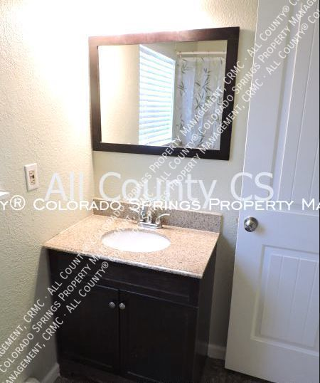 2 bedroom fountain town house for rent near aga splash park and fort carson military base f