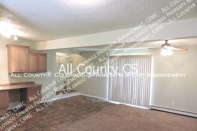 2 bedroom fountain town house for rent near aga splash park and fort carson military base 9