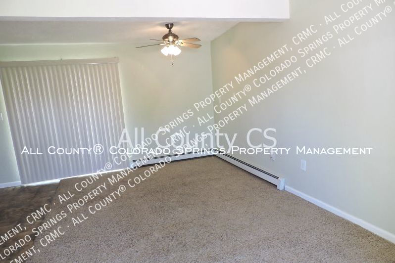 2 bedroom fountain town house for rent near aga splash park and fort carson military base 8