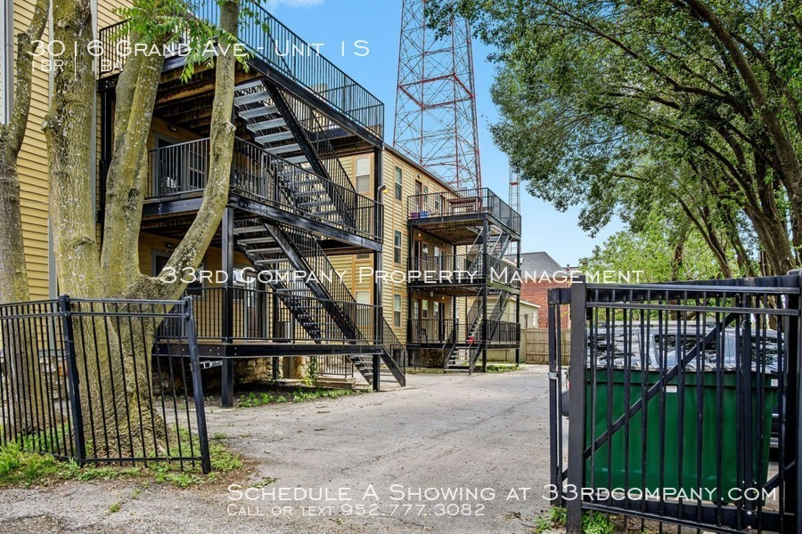 3010 grand ave   30