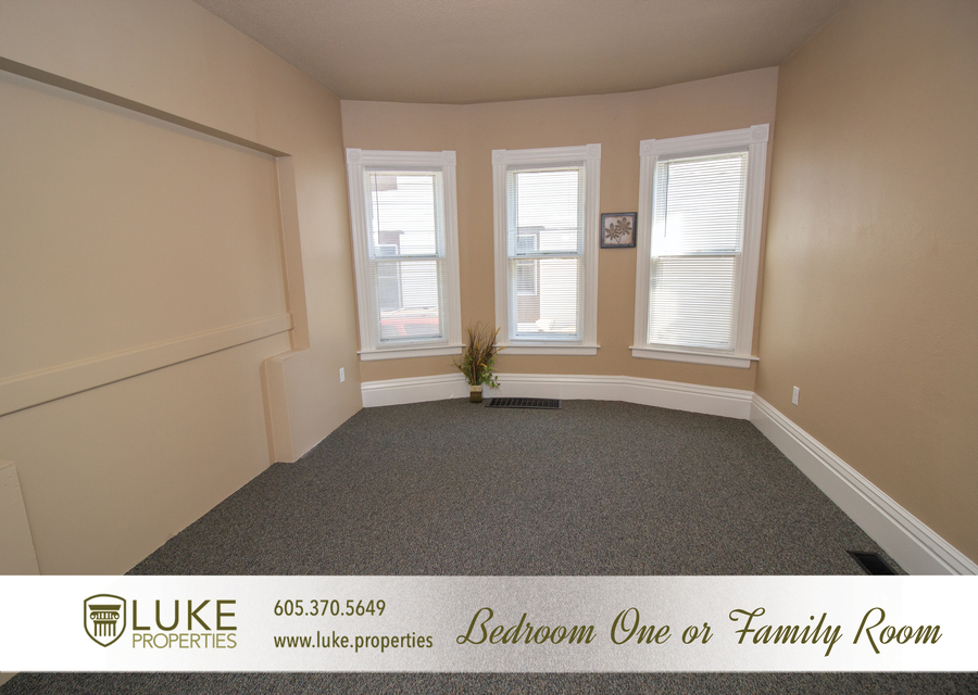 203 s summit ave luke properties home for rent sioux falls4