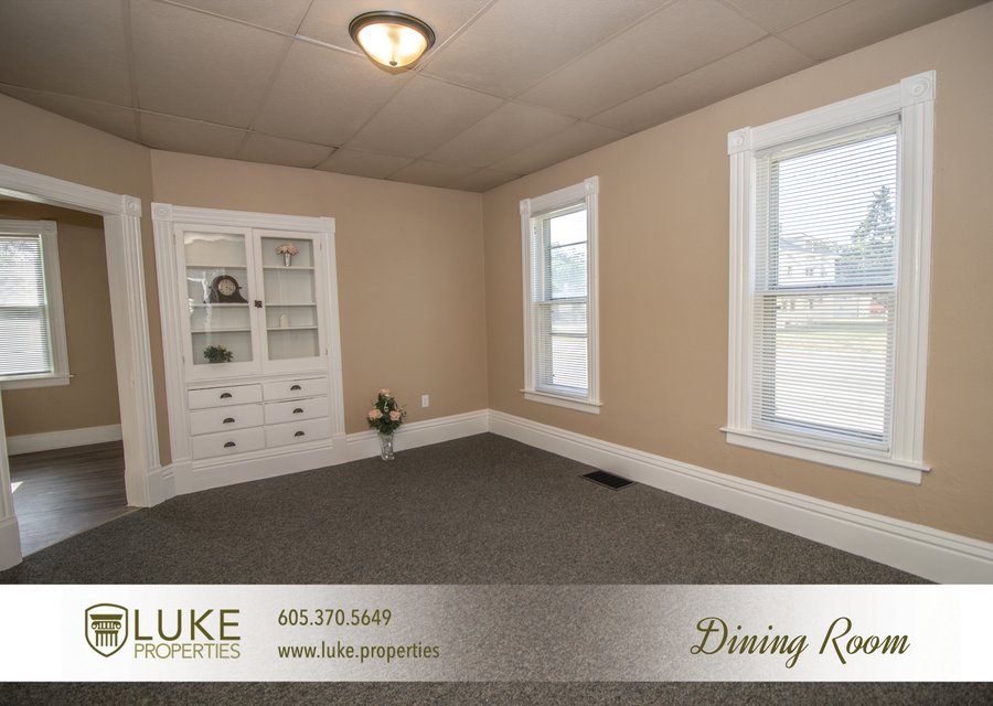 203 s summit ave luke properties home for rent sioux falls5