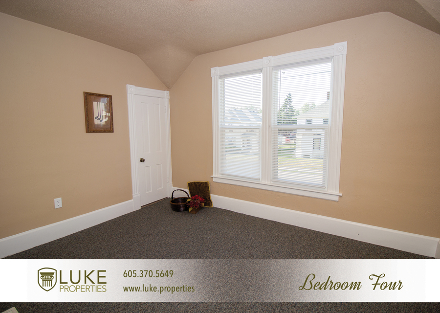 203 s summit ave luke properties home for rent sioux falls11