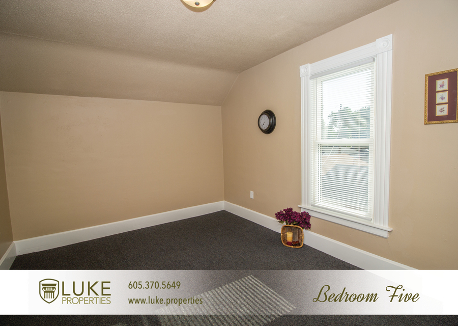 203 s summit ave luke properties home for rent sioux falls12