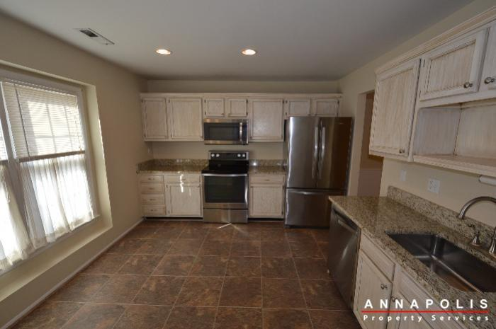 1400-foxwood-court-id692-kitchen-a