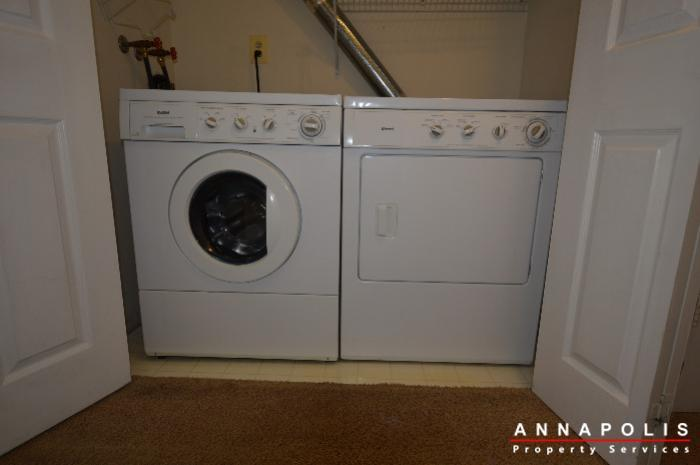 1400-foxwood-court-id692-washer-and-dryer