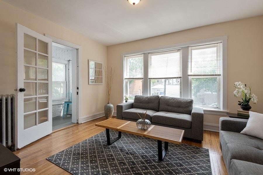 1 7510nhoyne1 1 livingroom lowres