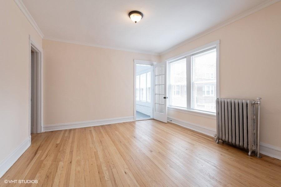 1 2112wbirchwood2 1 livingroom lowres