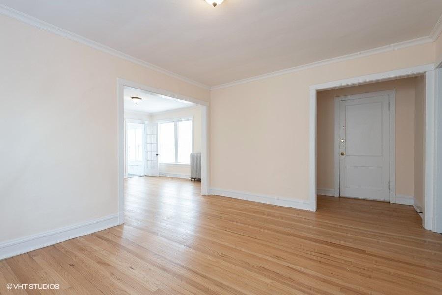 2 2112wbirchwood2 165 livingroom lowres