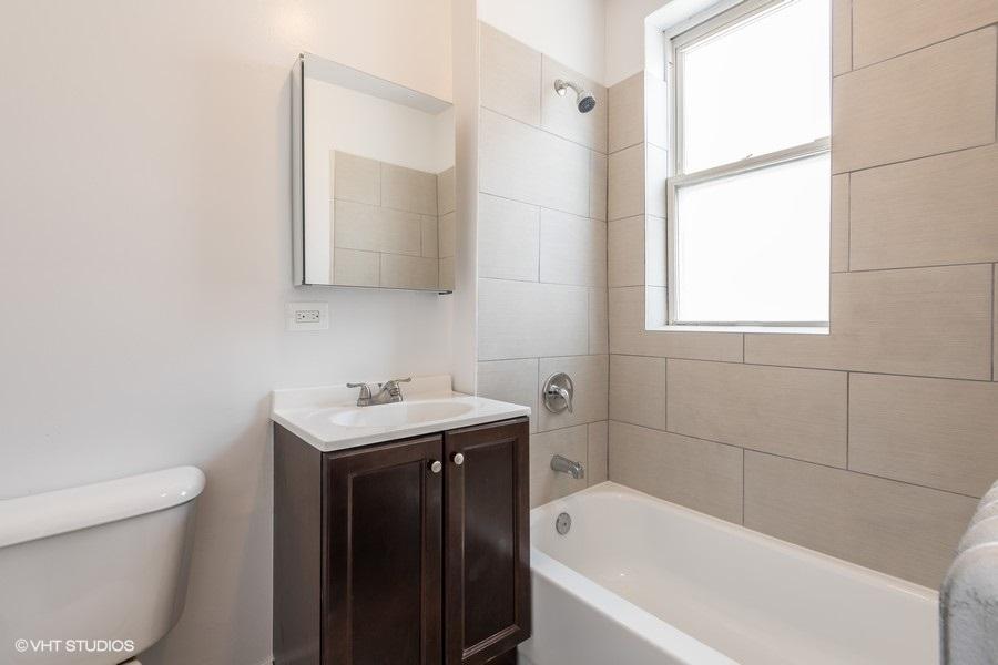5 2112wbirchwood2 8 bathroom lowres