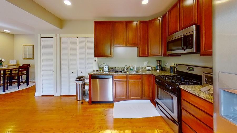 6300 n rockwell st kitchen
