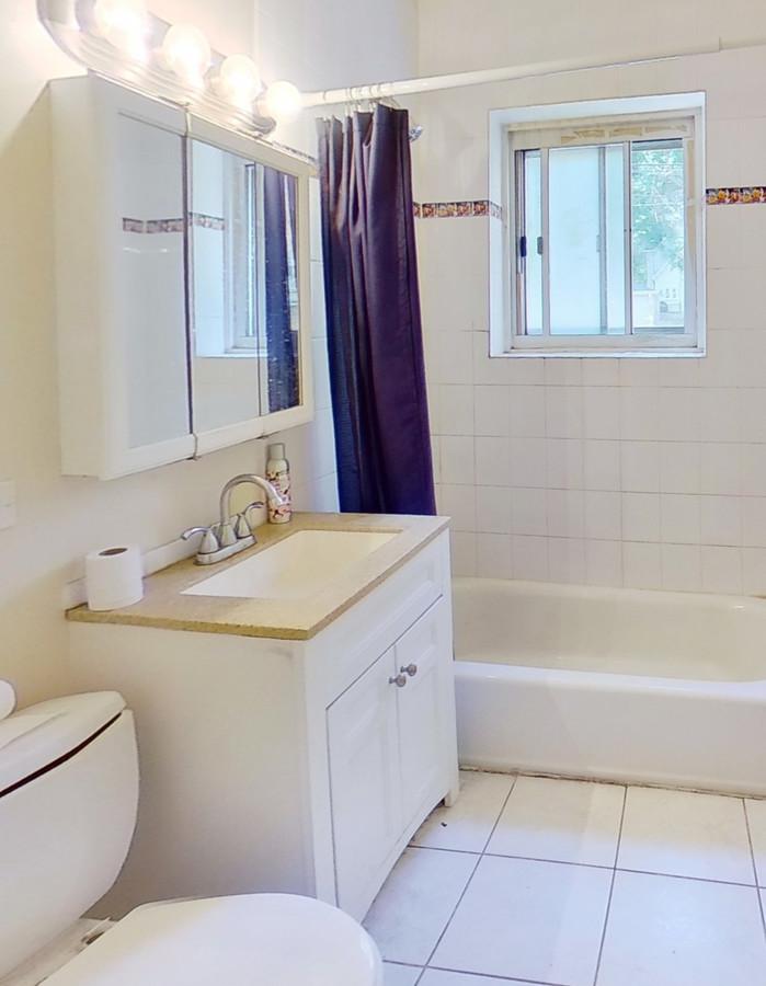 828 seward st bathroom enhanced