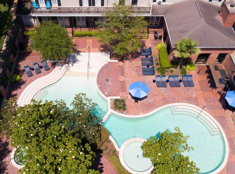 Memorialheights amenity exterior pool11