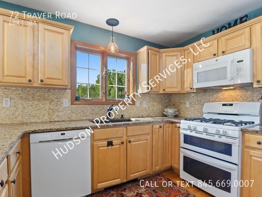 06 72traverrd 177001 kitchen hires