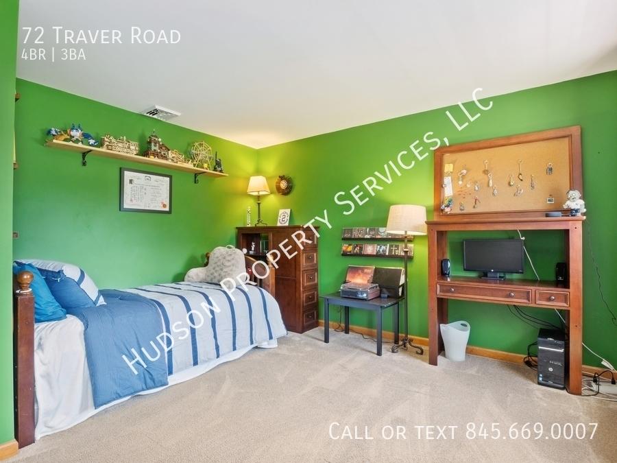 14 72traverrd 154 3rdbedroom hires
