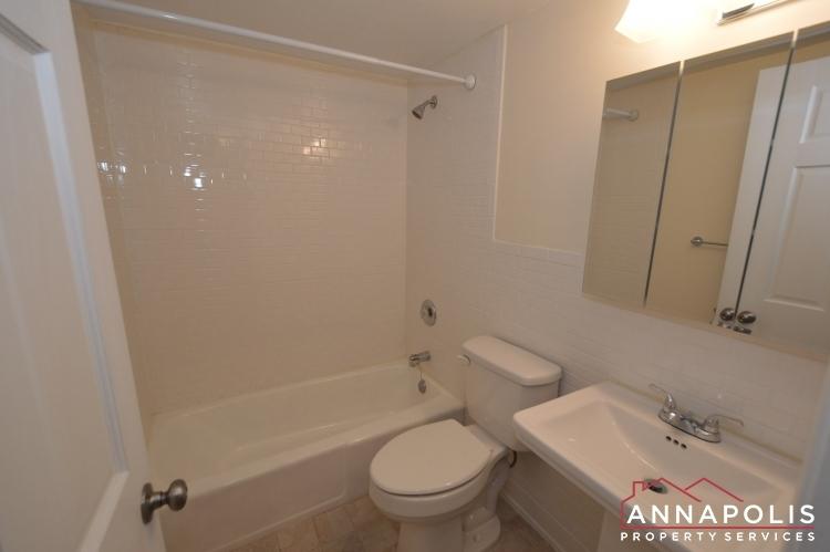 312-severn-ave--301-id1114-bathroom