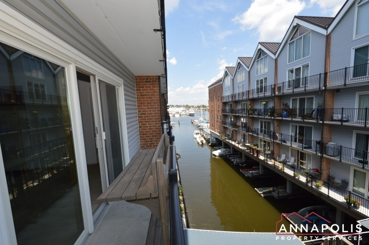 312-severn-ave--301-id1114-balcony-b