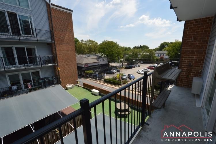 312-severn-ave--301-id1114-balcony-c