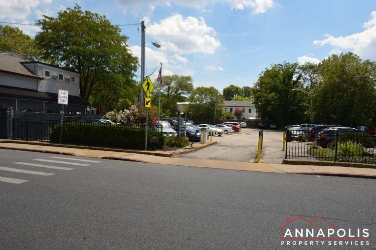312-severn-ave--301-id1114-private-parking-lot