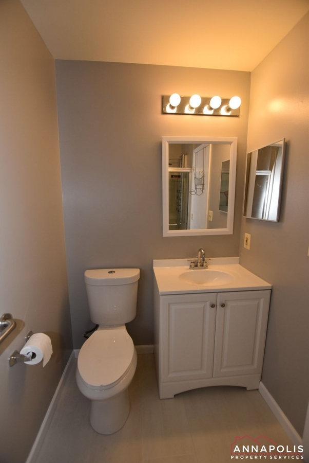 50e-greystone-court-id1115-masterbathroom-a