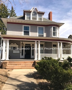 2-bedroom_downtown_colorado_springs_apartment_for_rent_near_fine_arts_center_and_colorado_college_cc-4