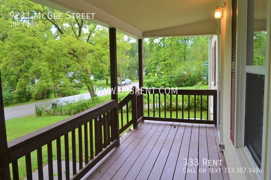 2.covered front porch