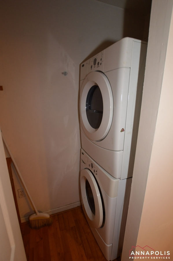 134 dumbarton court id14 washer and dryer