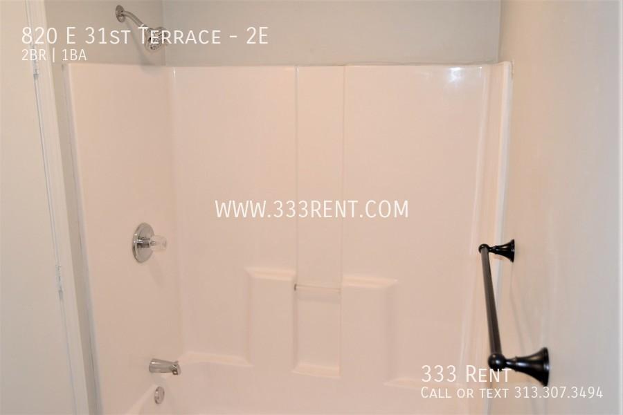 7.bathroom shower photo