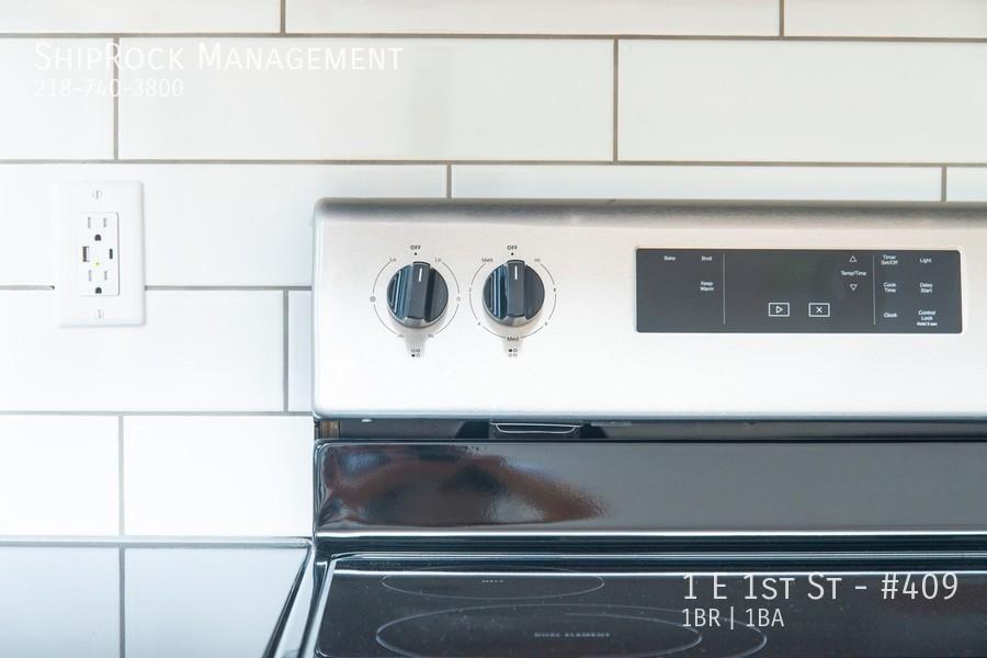 Cove kitchen details stove