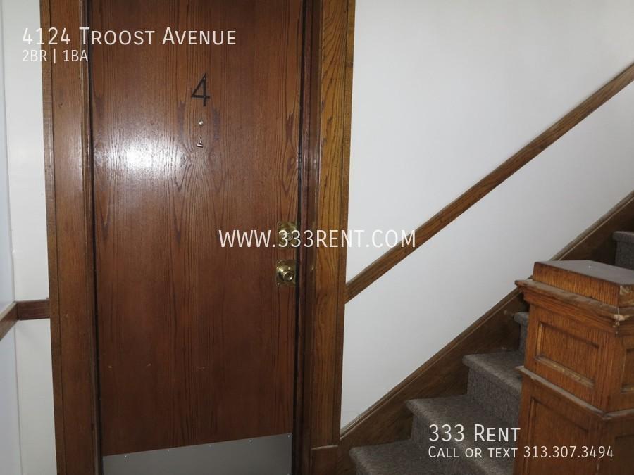 1view of front door