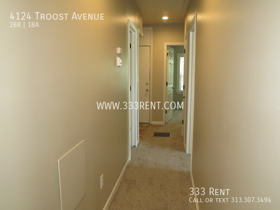 5hallway to rooms