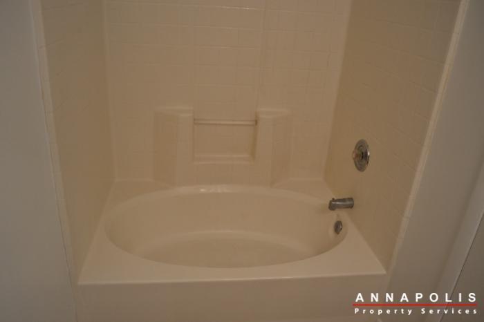 40j hearthstone court  id336 master bath