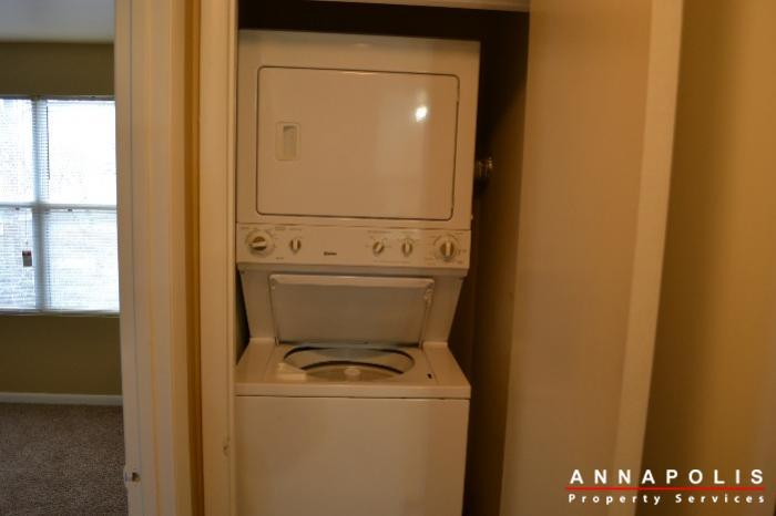 40j hearthstone court  id336 washer and dryer