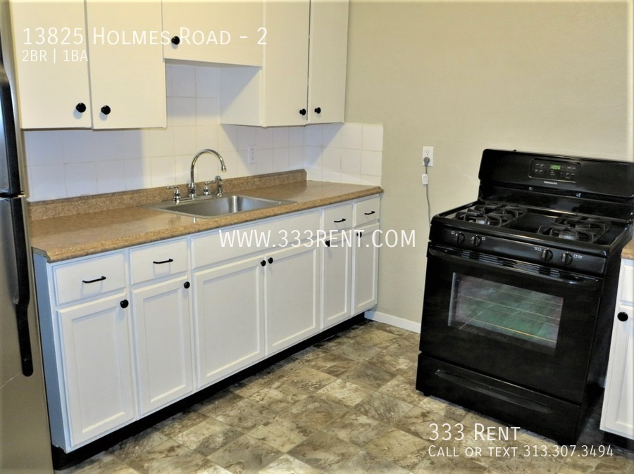 4kitchen with tile